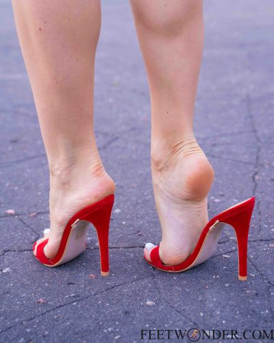 Sexy Soles And Feet In High Heels