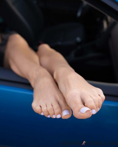 Sexy female toes